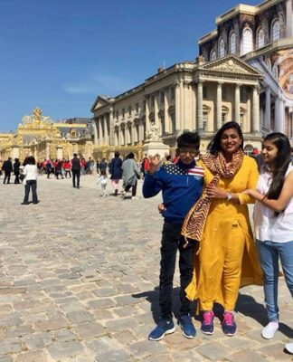 Mla roja Holiday with Family Photos