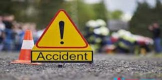 3killed in road accident after car hits culvert and overturns at Mahaboobnagar