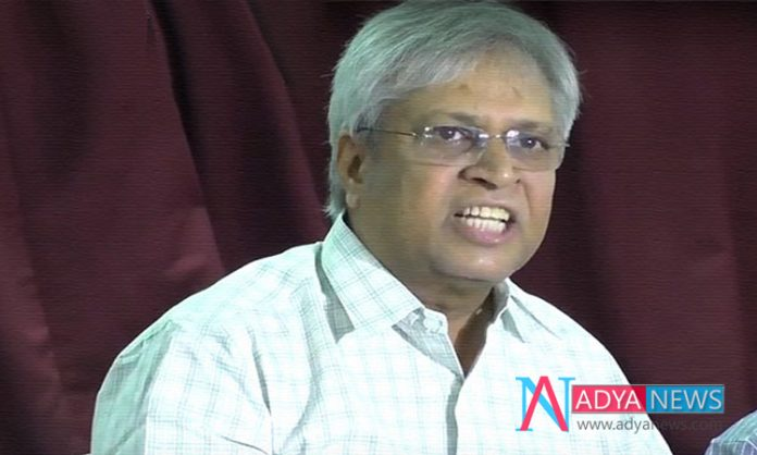 Former MP Undavalli Arun Kumar hot Comments on Chandra Babu and Pawan Kalyan