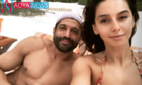 Farhan Akhtar and Shibani Dandekar set the beach on fire with their PDA. See pics