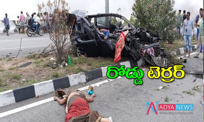 3 persons killed as car hits a lorrey in Kamareddy
