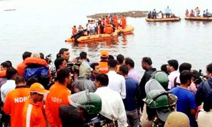 AP : Devipatnam boat capsize :Death toll mounts to 12