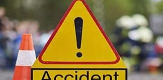 Road Accdient : Four died car rams lorry in kadapa district