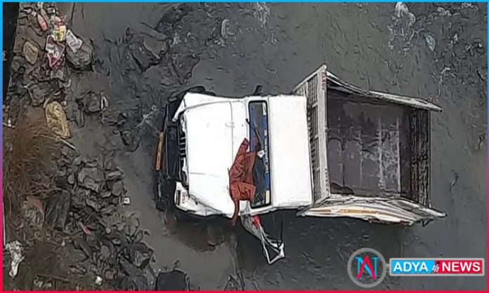 ghastly road accident at surat in gujarat