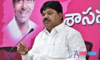 Big Shock For TRS Chief for Popular Candidate Quitting Party
