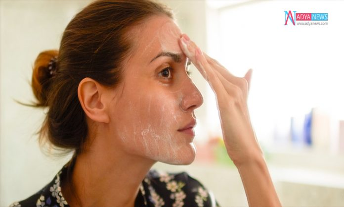 Using Products On Face Skin Makes Your Skin Unhealthy