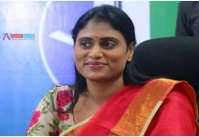 Is Sharmila to get Ministry or is she yet to walk in the footsteps of brother Y. S. Jagan ?