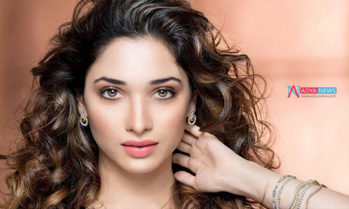 Tamannaah Bhatia all set for Item song in Mahesh Babu's Sarileru Neekevvaru